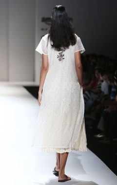 ivory french knot embroidered kurta & inner
