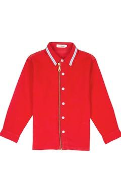 Red shirt with metal zipper