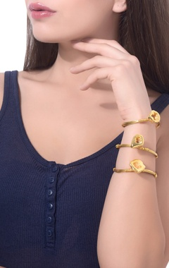 gold plated shiny druzy cuff