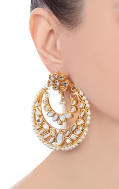 gold kundan circular earrings with faux pearls