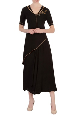 Vivek Kumar Black cotton embroidered asymmetric blouse with pants