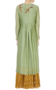 Green butterfly motif kurta & skirt set