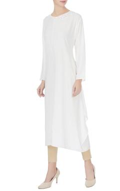 Komal Sood White crepe silk bead embroidered neckline kurta
