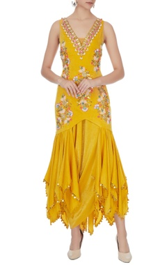 Yellow crepe satin embroidered kurta set
