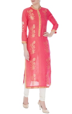 RAR Studio Peach chanderi handloom woven mughal buta work kurta