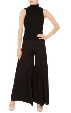 black gathered pleated flared wide-leg pants