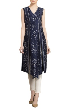 AM:PM Ivory & navy blue chanderi floral digital printed asymmetric tunic with straight pants