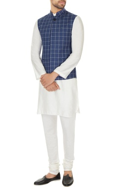 Narendra Kumar - Men White kurta with churidar & dark blue chequered bundi