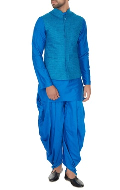 Narendra Kumar - Men Electric blue linen solid kurta with churidar & chequered bundi