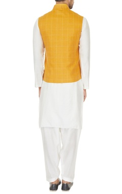 White kurta set & mustard yellow chequered bundi