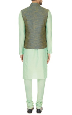 Light green linen solid kurta with churidar & two toned bundi