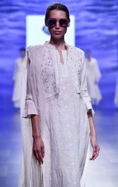 White jamazeb chikankari kurta set