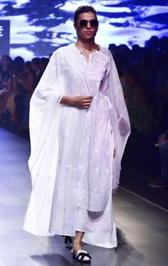 House of Kotwara White chikankari applique kurta with kamdani pajamas & dupatta