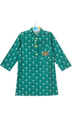 Green palm tree motif printed cotton kurta