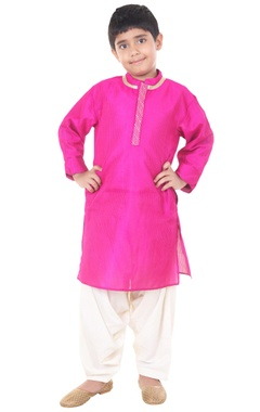 fuschia & ivory silk solid kurta with dhoti