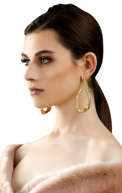 gold plated teardrop earrings