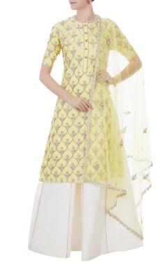 Rajat k Tangri Nude yellow & white chanderi, tafetta & net hand crafted nakshi, white pearl & mirror work kurta with palazzos & dupatta