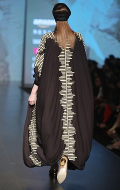 Black & olive printed front open jersey cape