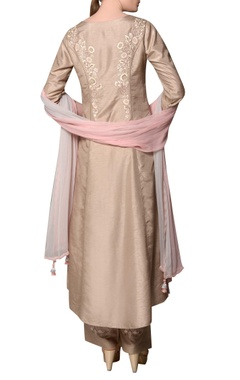 Stone grey sanam silk embroidered kurta with embroidered pants