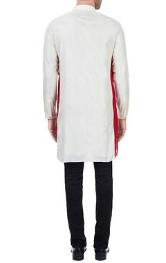 Vanilla silk classic kurta with red border on sides