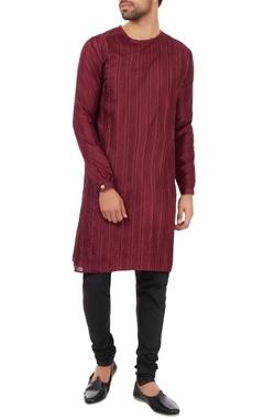Kunal Rawal Maroon pin tuck classic kurta