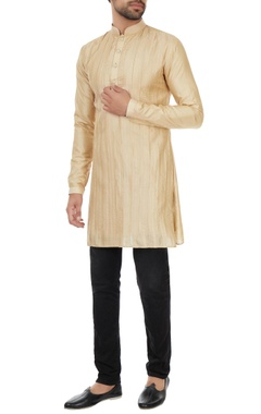 Kunal Rawal Champagne pintucked kurta with gold detailing