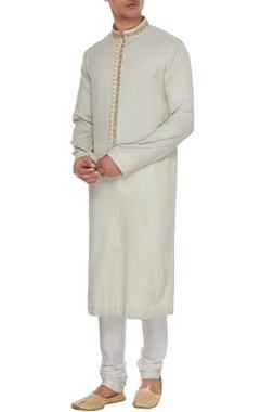 Manish Malhotra - Men Cream dupion silk gota embroidered button down kurta & churidar