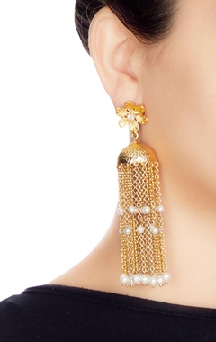 Gold & white alloy floral earring with tassels
