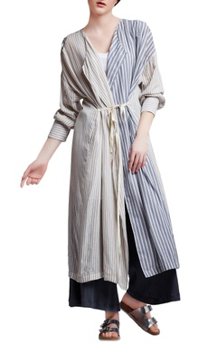 Multi-colored cotton regular pleated wrap jacket
