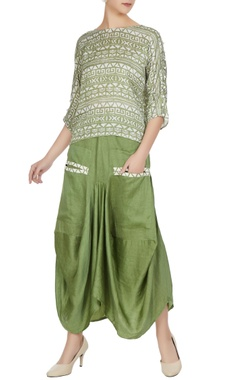 Green cotton satin metallic leather boxy skirt with pockets