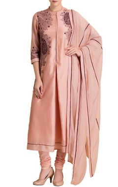 Powder pink embroidered kurta set with matching dupatta