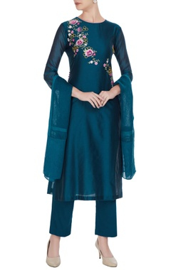Blue chanderi floral embroidered kurta set