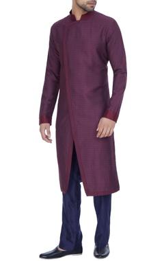 Kunal Anil Tanna - Men Wine spun silk textured overlap kurta with blue pants