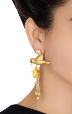 Dove motif dangling earrings