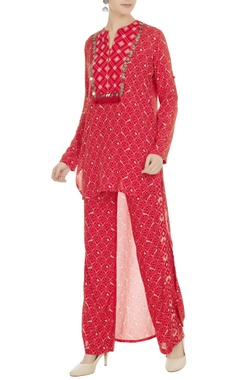 Anushka Khanna Geometric printed elastic waist pants