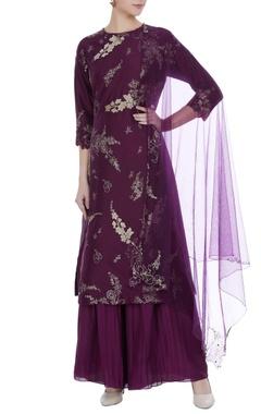 Aari embroidered kurta with pleated pants