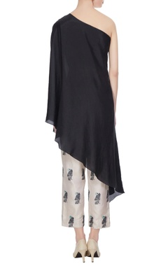 Black one-shoulder kurta with bird printed cigarette pants