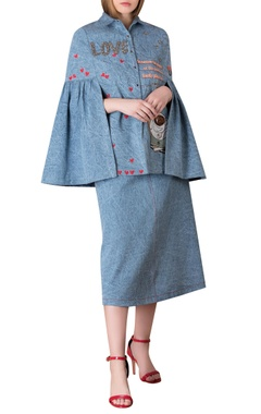 Embroidery cape shirt