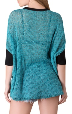 Quarter sleeve top with applique work