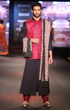 Debarun - Men Black solid sherwani with dual-shade pure matka silk jacket, maroon silk churidar & printed dupatta