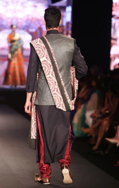 Black solid sherwani with dual-shade pure matka silk jacket, maroon silk churidar & printed dupatta
