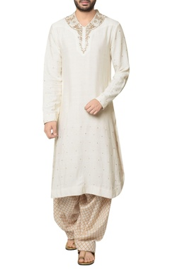 Debarun - Men White cotton malai embroidered long kurta with beige hand block print salwar