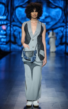 Grey & light grey poly cotton solid waist coat with maxi skirt