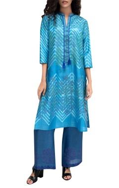 Krishna Mehta Blue tie-dye chanderi kurta with block printed detailing