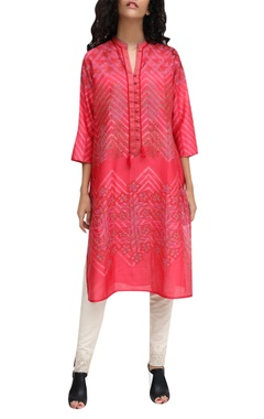 Red block printed tie-dye kurta