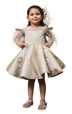 Lil Angels Flared dress with feather shoulders