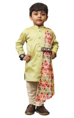 Triangle drape kurta set.
