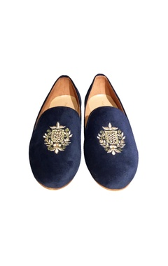 Blue velvet embroidered loafers