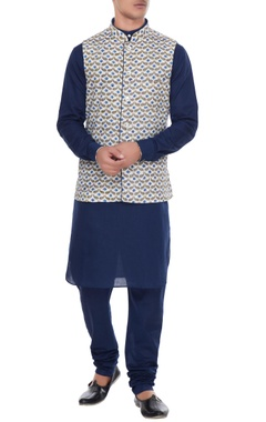 Arjan Dugal White & blue cotton and linen nehru jacket with kurta & churidar