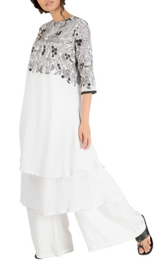 Nakita Singh White double layer embroidered yoke tunic with pants